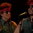 """Bruce Springsteen e il """"sosia"""" Jimmy Fallon cantano """"Born to Run"""""""