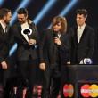 Brit Awards, vince David Bowie a ritirare il premio ci va Kate Moss07