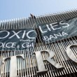 Greenpeace contro D&G a Milano13
