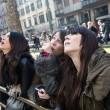 Greenpeace contro D&G a Milano01