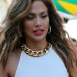 Jennifer Lopez sul set di We Are One (Ola Ola)05