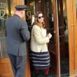 Laetitia Casta lascia Sanremo con il suo nuovo fidanzato Lorenzo Distante01
