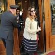 Laetitia Casta lascia Sanremo con il suo nuovo fidanzato Lorenzo Distante02