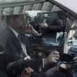 Matteo Renzi a Palazzo Chigi con la Smart depista i cronisti01