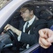 Matteo Renzi a Palazzo Chigi con la Smart depista i cronisti02
