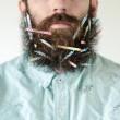 Pierce Thiot, l'uomo che si infila di tutto nella barba 04