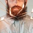 Pierce Thiot, l'uomo che si infila di tutto nella barba 03