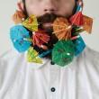 Pierce Thiot, l'uomo che si infila di tutto nella barba 02