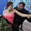Pussy Riot picchiate e frustate dai cosacchi a Sochi01