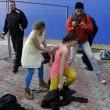 Pussy Riot picchiate e frustate dai cosacchi a Sochi07