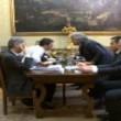 Renzi, scontro con Grillo: Esci dal blog. Tu rappresenti le banche04