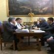 Renzi, scontro con Grillo: Esci dal blog. Tu rappresenti le banche3