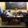 Renzi, scontro con Grillo: Esci dal blog. Tu rappresenti le banche02