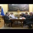 Renzi, scontro con Grillo: Esci dal blog. Tu rappresenti le banche01