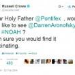 Russell Crowe, via Twitter, supplica Papa Francescp di guardare Noah