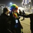 Sochi, Vladimir Luxuria fermata a ingresso stadio con Iene Pio e Amedeo08