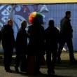 Sochi, Vladimir Luxuria fermata a ingresso stadio con Iene Pio e Amedeo05