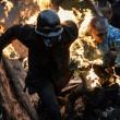 Ucraina tregua finita, nuovi scontri. Manifestanti in fiamme02