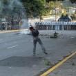 Venezuela, scontri e morti in piazza03