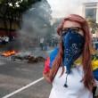 Venezuela, scontri e morti in piazza09