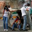 Venezuela, scontri polizia studenti04