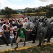 Venezuela, scontri polizia studenti03
