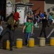 Venezuela: spari a corteo opposizione, tre morti04