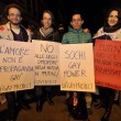 Vladimir Luxuria fermata a Sochi associazioni gay protestano davanti ambasciata 08