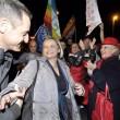 Vladimir Luxuria fermata a Sochi associazioni gay protestano davanti ambasciata 05