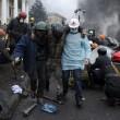 Ucraina: nuovi scontri polizia manifestati, tregua finita07