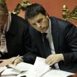 Matteo Renzi in Senato, tra foglietti e pennarelli 3