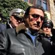 Francesco Schettino arriva al Giglio e sale sulla Costa Concordia02