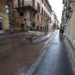 Roma, via del Corso allagata: tubatura esplosa, non pioggia (foto) 3