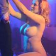 """Club lap dance """"Blue Night"""": Vittoria Risi e altre 6 dive del porno all'inaugurazione01"""