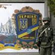 """Arseni Iatseniuk: """"Siamo sull'orlo del disastro"""". Usa: """"Russia rischia di uscire dal G8""""01"""