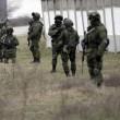 """Arseni Iatseniuk: """"Siamo sull'orlo del disastro"""". Usa: """"Russia rischia di uscire dal G8""""10"""