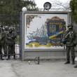 """Arseni Iatseniuk: """"Siamo sull'orlo del disastro"""". Usa: """"Russia rischia di uscire dal G8""""07"""