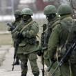 """Arseni Iatseniuk: """"Siamo sull'orlo del disastro"""". Usa: """"Russia rischia di uscire dal G8""""04"""