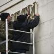 Crimea, rimosse le insegne ucraine dal parlamento 05