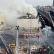 Esplosione a New York, crollano due palazzi08