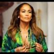 Jennifer Lopez con gli uomini semi nudi nel video I Luh Ya Papi10