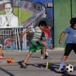 Papa Francesco, poveri dell'Argentina festeggiano un anno di pontificato06