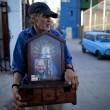 Papa Francesco, poveri dell'Argentina festeggiano un anno di pontificato03