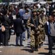 almeno 33 persone uccise a coltellate in stazione metro05