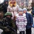 crimea, selfie coi soldati russi: le foto degli ucraini coi militari 2