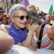 """Nichi Vendola rischia aggressione per strada a Roma all'urlo di """"Dammi i soldi"""""""