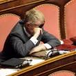 Senatore D'Ascola (Ncd) si addormenta in Senato durante discussione Def01