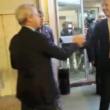 "Enrico Mentana a Matteo Renzi: ""Cerchi casa in affitto?"""