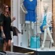 Alena Seredova, shopping a Milano04