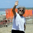 Beppe Grillo in corona di spine4